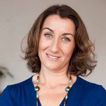 Dr Laura Villa